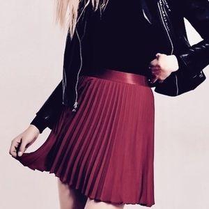 🖤🌟HP🌟🖤 Express Magenta Pleated Mini Skirt